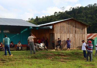Mercados, diálogo y desarrollo para los pobladores de la Zona de Adyacencia y sus alrededores